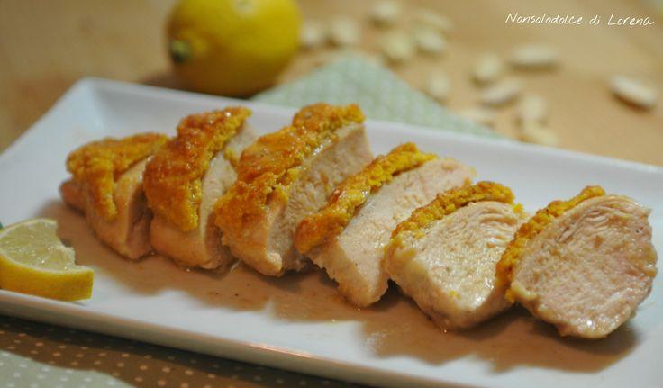 Petto di pollo in crosta di mandorle / un modo diverso e sfizioso per preparare il petto di pollo.. posso dire, buonissimo!