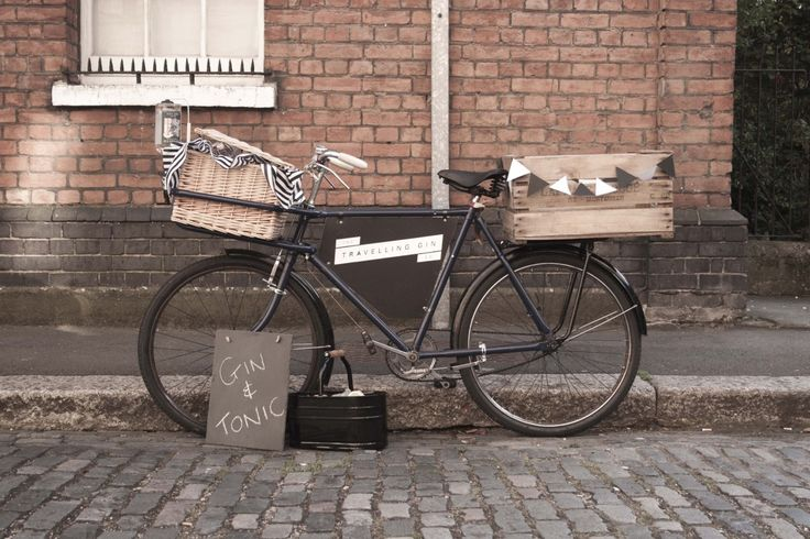 Serve Gin from the back of a bike - eco bar!