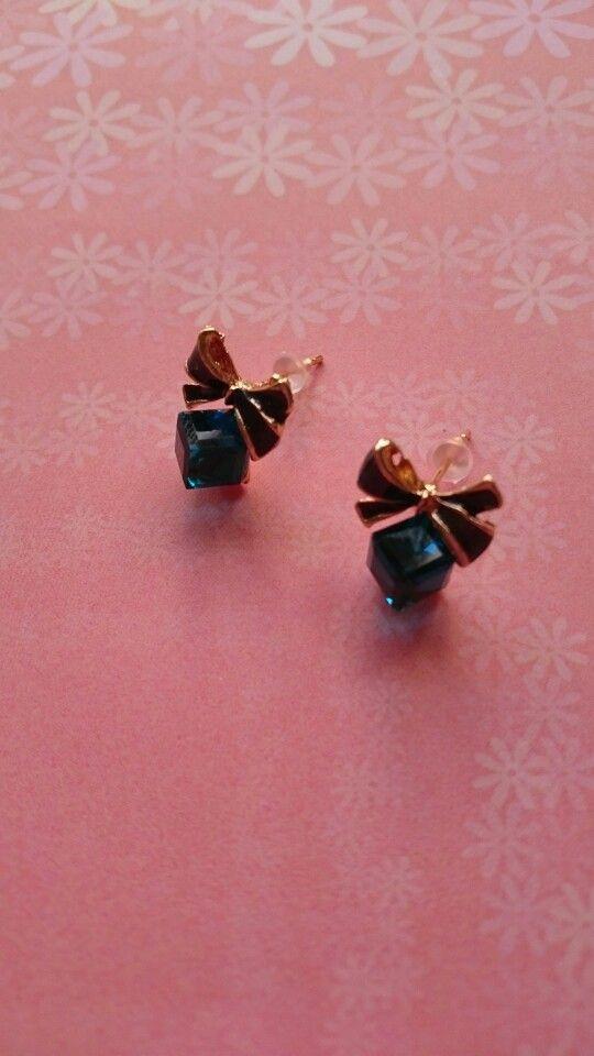 Oorbellen met blauwe kristallen 1,95