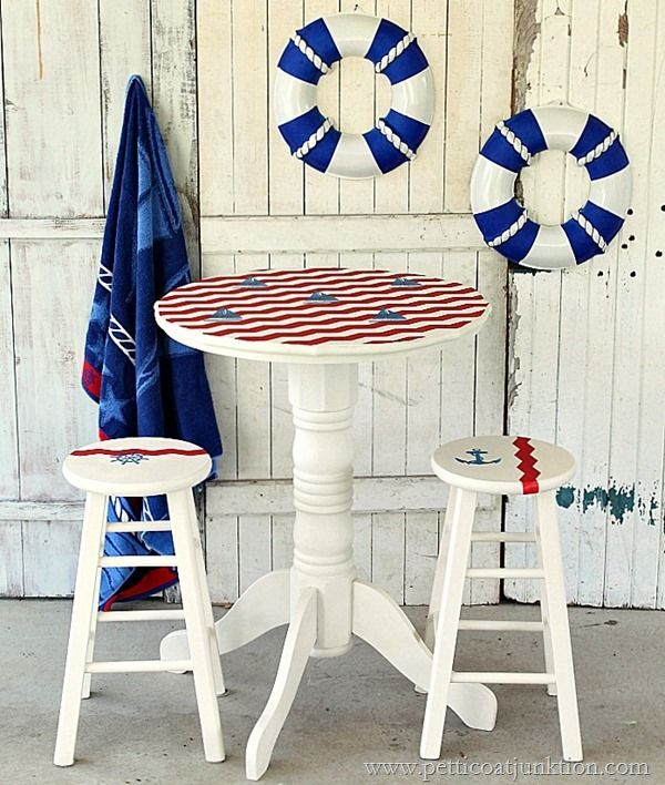 I'm adoring @petticoatjunk's saiboat-inspired nautical pub table redo, and I think this would be a great table for entertaining outdoors during the summer months. /ES