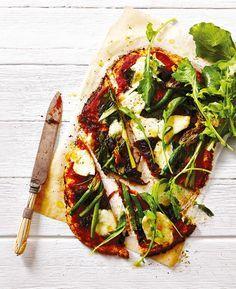 Cauliflower Pizza with Zucchini Flowers, Asparagus & Caramelised Onion - MiNDFOOD