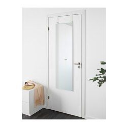 Fullt på väggarna? Inga problem, den här spegeln kan du hänga på dörren. Passar i de flesta rum, och är testad och godkänd för badrum. Försedd med säkerhetsfilm - minskar risken för skador om glaset splittras.