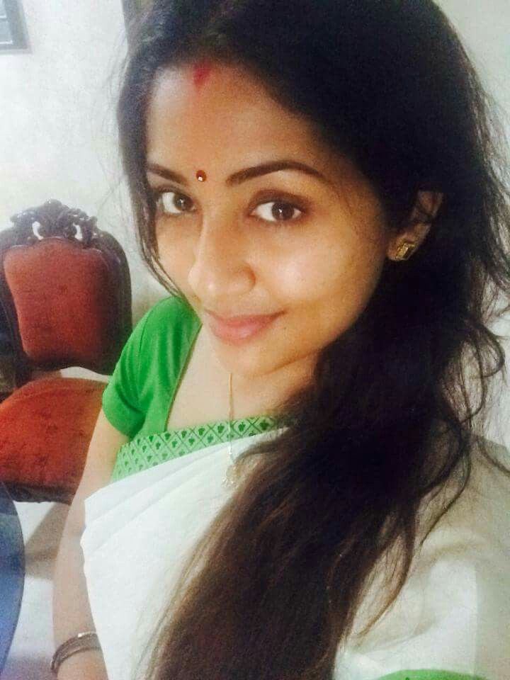 7 Best Navya Nair Images On Pinterest  Indian Beauty -3242
