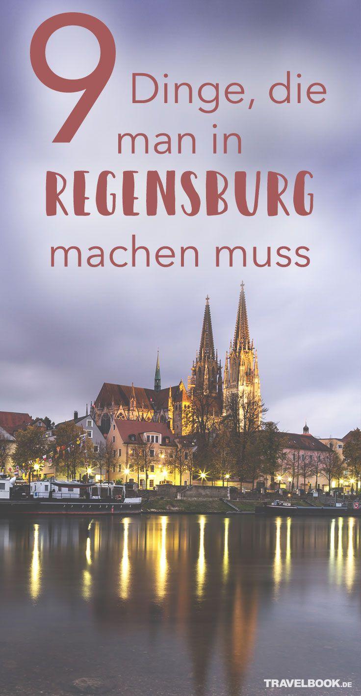 Viele Studenten entscheiden sich für Regensburg und ziehen sogar aus Großstädten wie München in die Oberpfalz. Die Uni ist groß, die Stadt überschaubar und voller Kneipen und Bars. Im historischen Regensburg gibt es aber weitaus mehr zu entdecken als nur das Nachtleben. TRAVELBOOK verrät euch, weshalb sich ein Besuch lohnt.