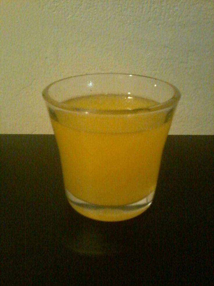 Shot do sumo de uma toranja com uma colher de chá de mel cru. Para melhor resultado tome esse shot antes da refeição.