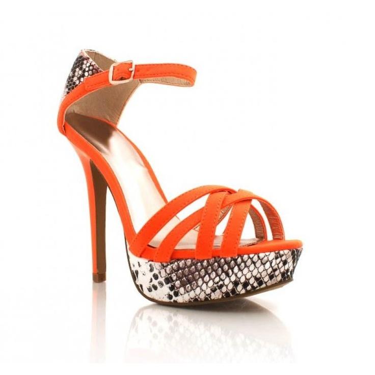 Niesamowite pomarańczowe czółenka, sandały. Szpilki na wiele okazji.