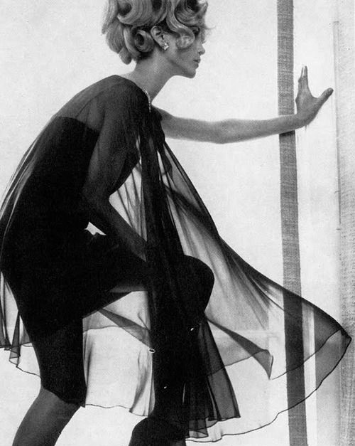 Photo by Norman Parkinson, 1967.