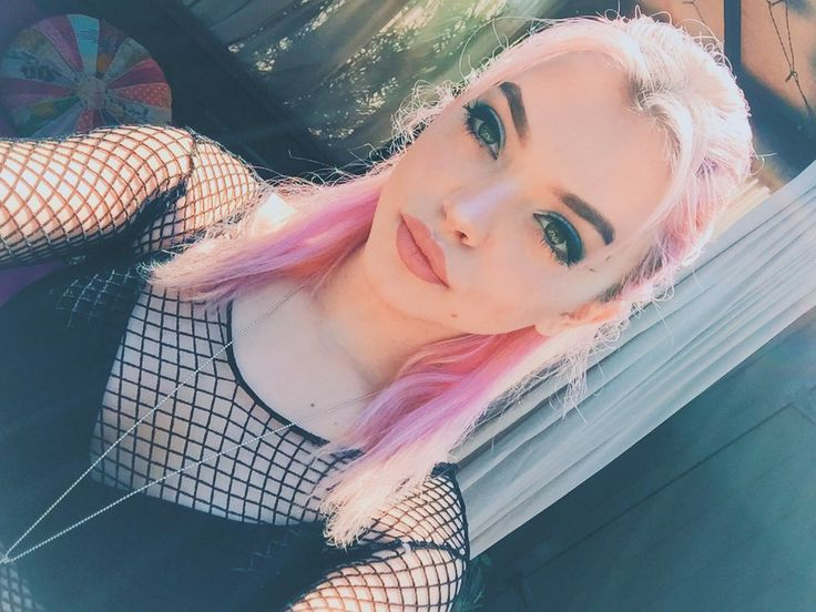 "[ FC: Rena Lovelis ]: ""Hi, I'm Rena. I'm 18 years old and single. Nia is my older sister. We're both in a band called Hey Violet. I'm the lead singer. I like photography, music and doing my makeup. I can be pretty weird a little shy, but whatever. Anyways, intro?"""