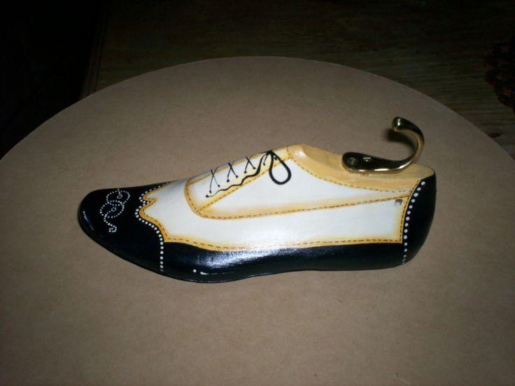 hormas de zapatos pintadas - Buscar con Google