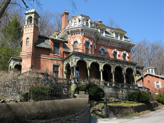 The Harry Packer Mansion in Jim Thorpe, PA, has been attributed as the model for Disneyworld's Haunted Castle.
