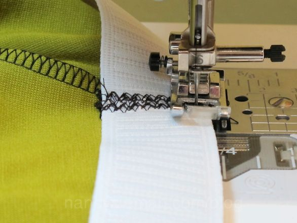 The Absolute Easiest Way to Sew Elastic to a Waistline - pretty cool!