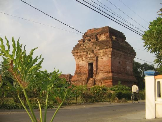 Candi Pari di Sidoarjo merupakan salah satu candi yang harus dilestarikan.
