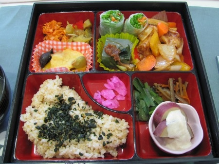 vegan bento at earth caf veg out in kanazawa series vegan bento box ideas pinterest. Black Bedroom Furniture Sets. Home Design Ideas