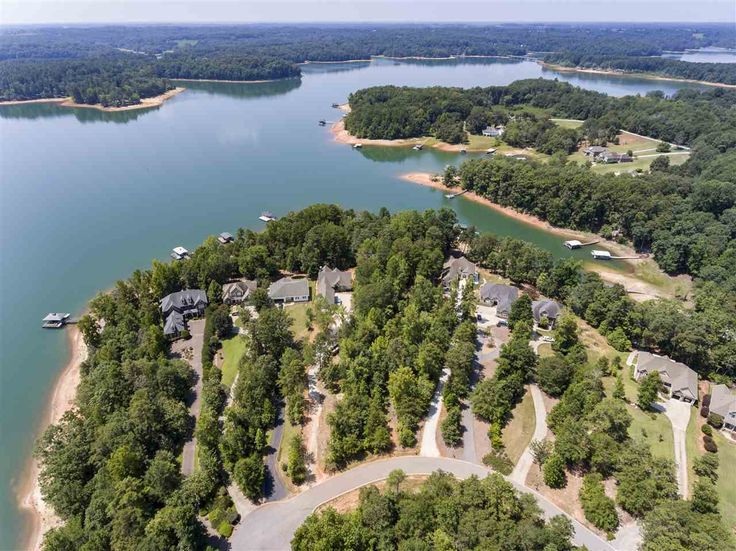 Gorgeous views of beautiful coneross creek (Just off the main Seneca River channel of Lake Hartwell) can be yours from this prime building site only 10 minutes from Clemson! Located by water directly across from Coneross Campground. The water is wide here and you can sit on your dock and smell the campfires........ahhhhh peaceful serenity at it's best! PRICED TO SELL - DON'T MISS THIS OPPORTUNITY!