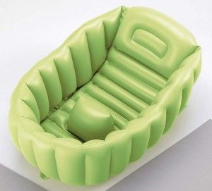 Inflatable baby bath tub, perfect for travel!