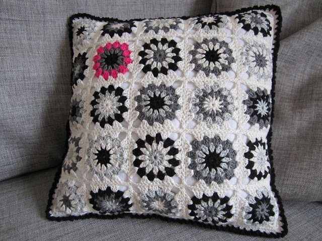 Color 'n Cream, love this pillow.