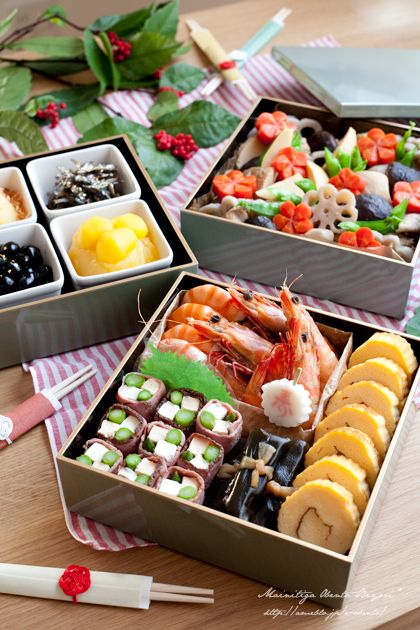 Gorgeous osechi (Japanese New Years foods)