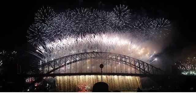 Sydney NYE 2015/2016 #sydnye #sydney #nye  #fireworks #sydneyharbourbridge #summer #harbourbridge #explore #travel #photography