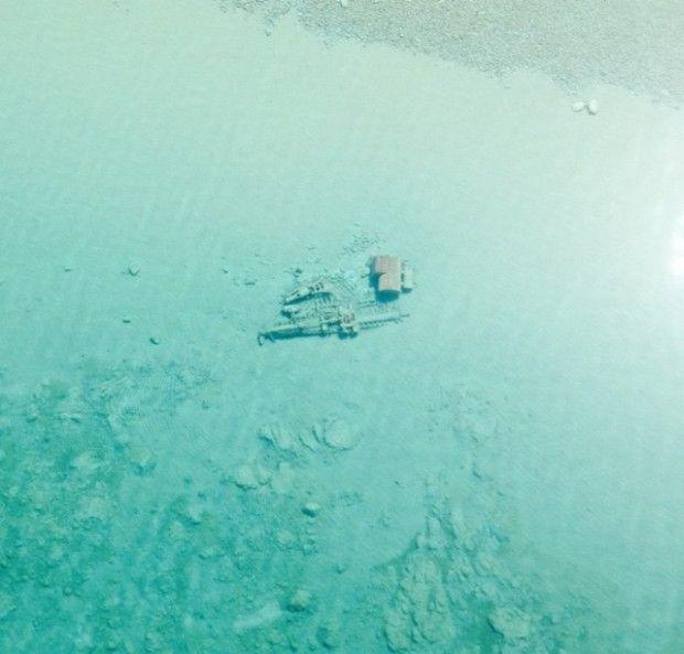 Озеро Мичиган «показало» затонувшие корабли - http://russiatoday.eu/ozero-michigan-pokazalo-zatonuvshie-korabli/ Сотрудники береговой охраны города Траверс-Сити, штат Мичиган, США, опубликовали снимки, которые были сделаны с воздуха над поверхностью озера Мичиган. Весной после схода льда во�