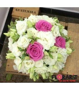 Buchet mireasa trandafiri roz si lisianthus