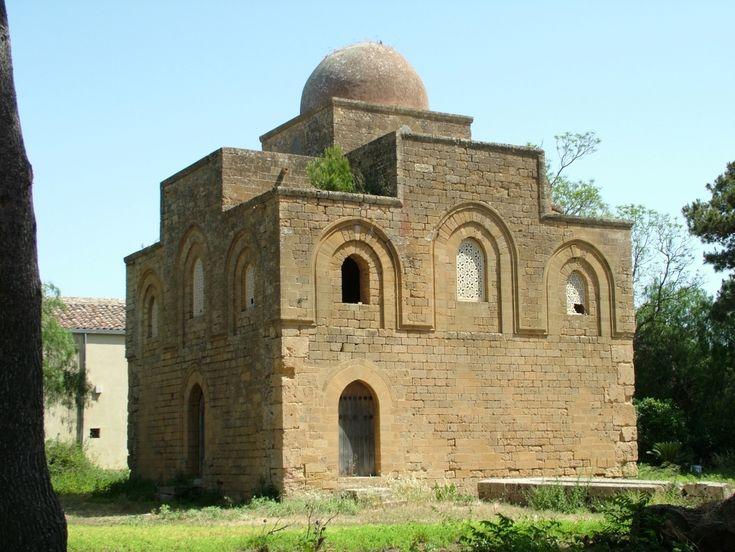 Cuba bizantina-normanna Castelvetrano . Chiesa della SS. Trinità di Delia #visitsicily #art