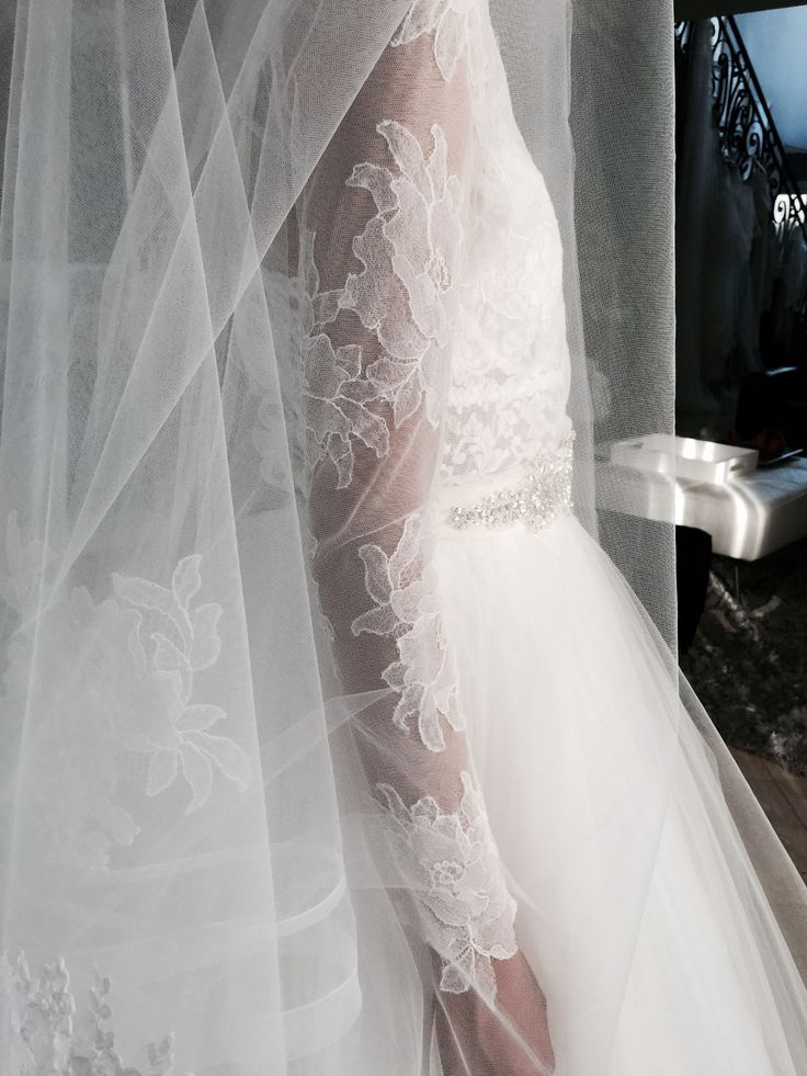 Erin cole jacket and veil long sleeve wedding dress lace for Long veils for wedding dresses