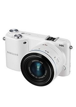 Samsung, NX2000 20-50mm -järjestelmäkamera.