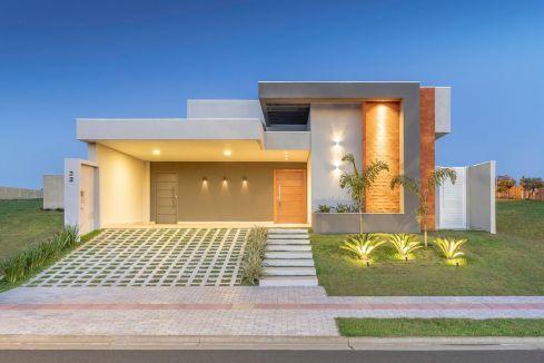 Fachada da casa contemporânea de um andar com tijolos e paisagismo! – DecorSal …   – shed plans