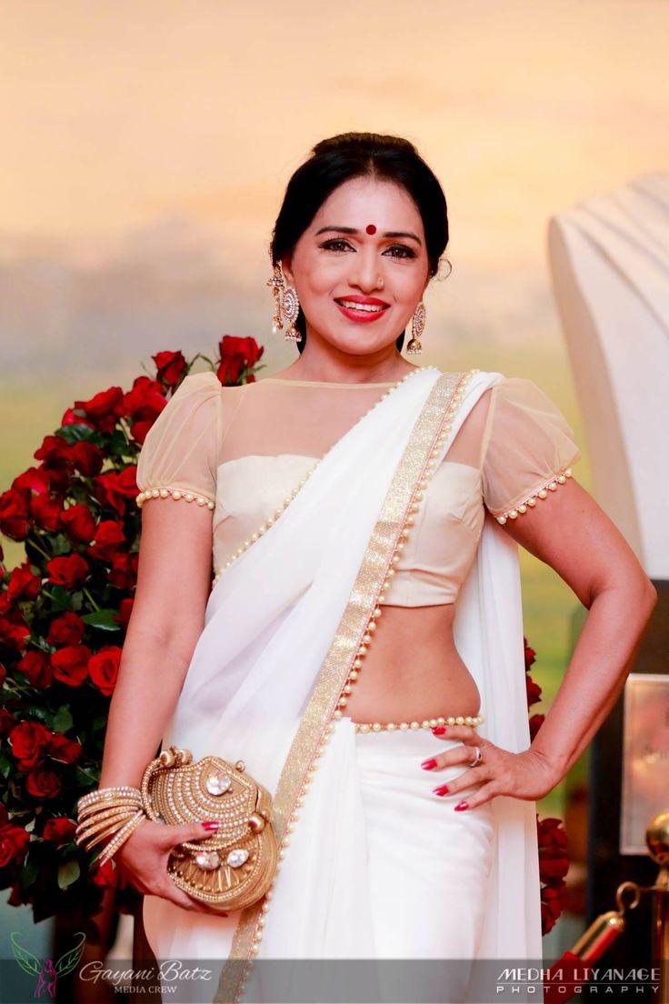 Nilmini Thennakoon Sri Lankan Actress Bride Clothes