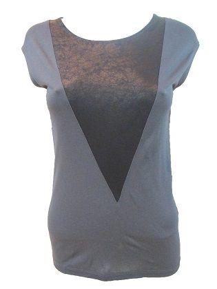 Almi Top  Camiseta de manga corta en dos tejidos. Tejido fino y con elastan. Disponible en dos colores.