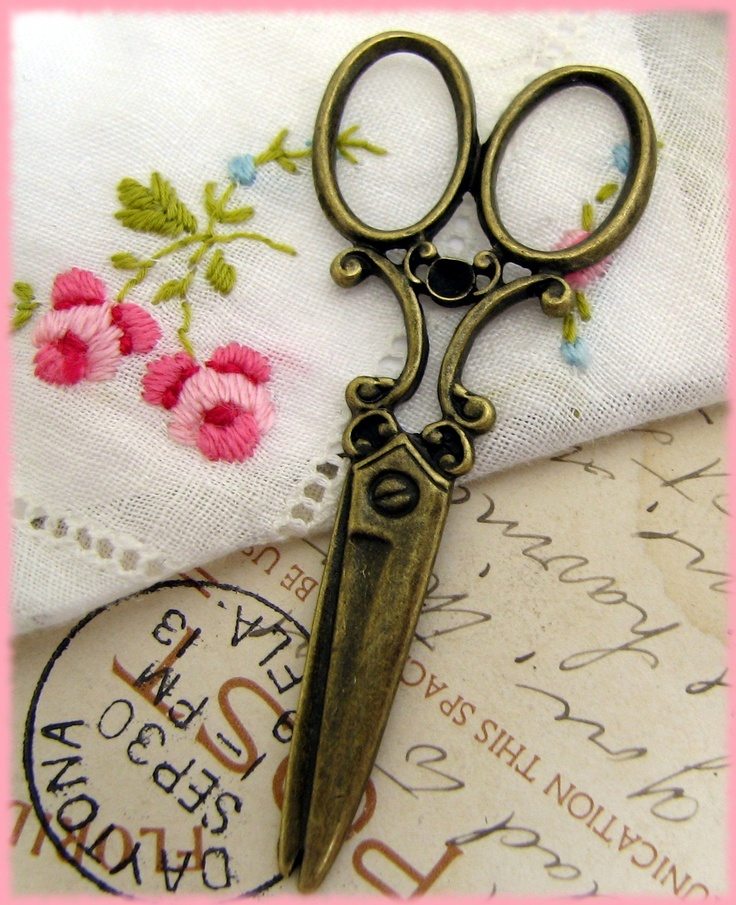 Antique Bronze / Oxidized Brass Victorian Scissor Charms