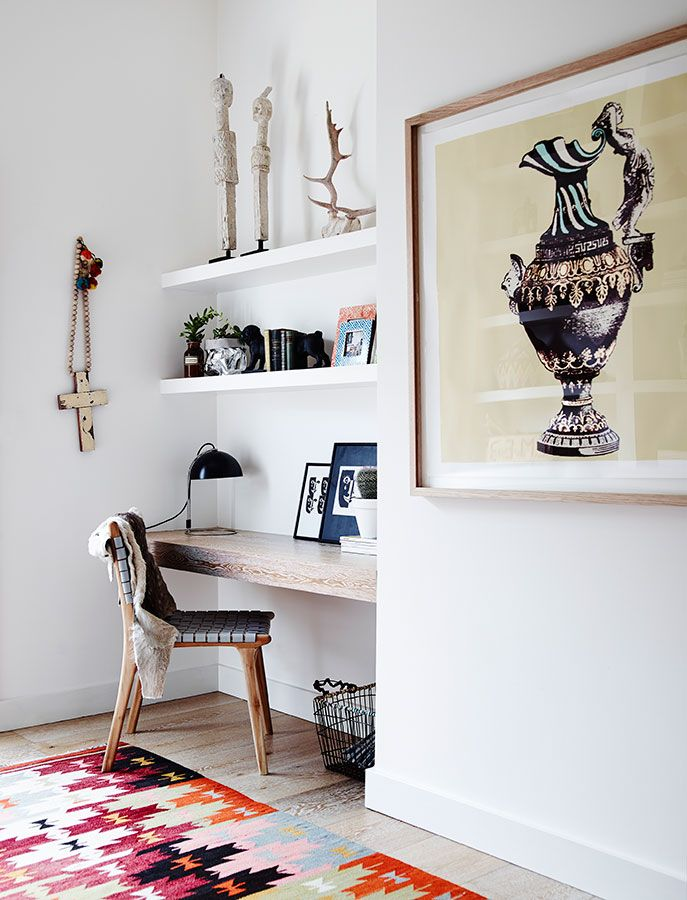 Modern home with pops of color // Casa moderna con toques de color // casahaus.net