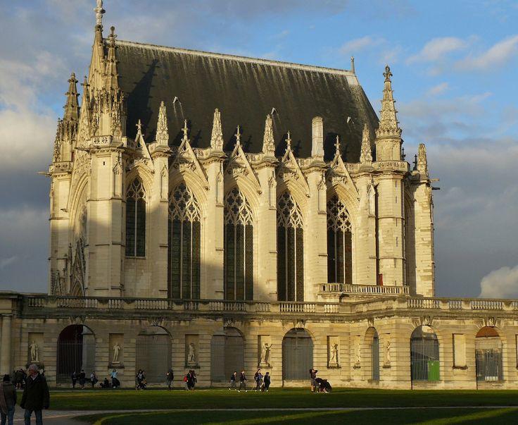 sainte chapelle de vincennes fond e en 1379 ma tre d uvre de ma onnerie raymond du temple. Black Bedroom Furniture Sets. Home Design Ideas