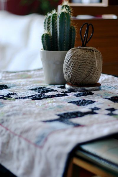 Pieced and quilted wallhanging by Montse Llamas