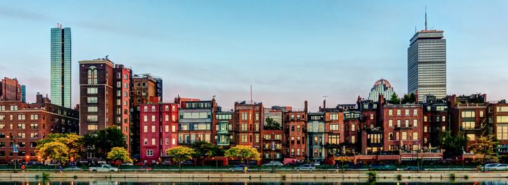 Moving to Boston, MA? We've got all the tips and advice you'll need to prepare for relocating to Boston. Put your mind at ease with detailed information on choosing where to live, making the move and much more.