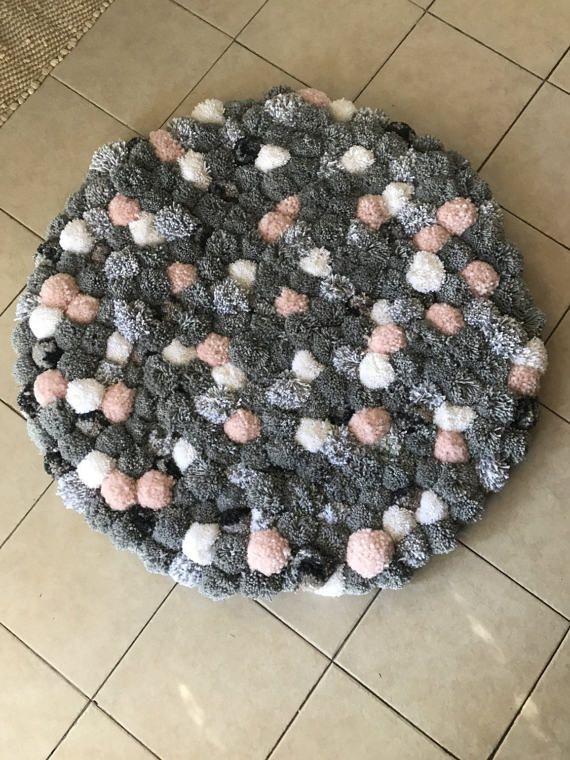 Grijs blozen witte gekleurde ronde pom pom tapijt-pom pom