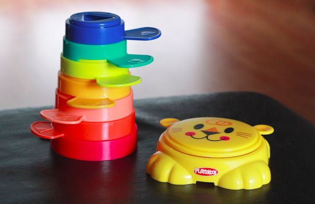 Play, Stow and Go Stacking Cups #PlaySkool #PlayStowGo