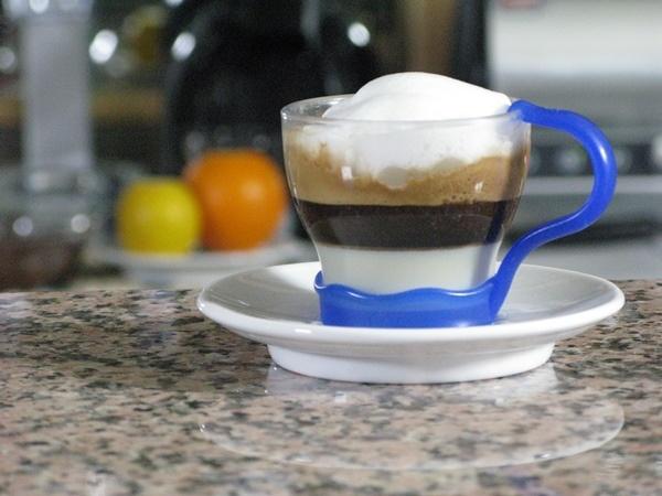 Caffè con panna e cioccolato