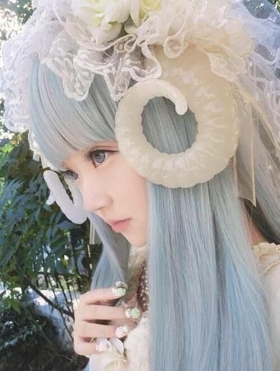 Street fashion from Harajuku, Tokyo, Japan called Mori-kei (Forest Style) & such girls called Mori Girls (Forest Girls). 原宿発祥 森系ファッション、森ガール。