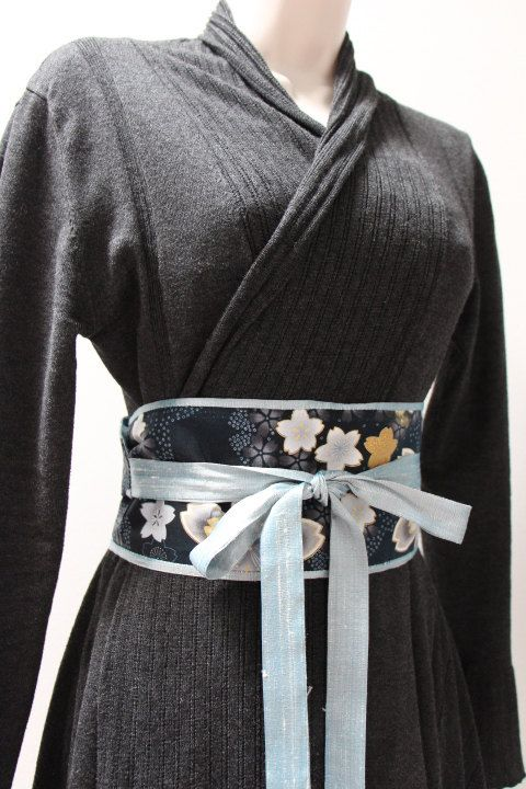Appereantly fashion has adapted the japanese obi into a modern obi belt, which is interesting concidering the kimono cardigans. All though it seems hard to find good quality ones as these sadly are high-fashion items.