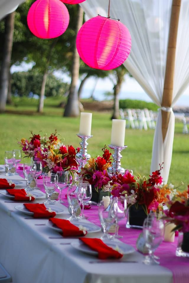 Wedding Linens   Hot Pink Runners And Lipstick Red Napkins Compliment The  Tropical Hues Of The