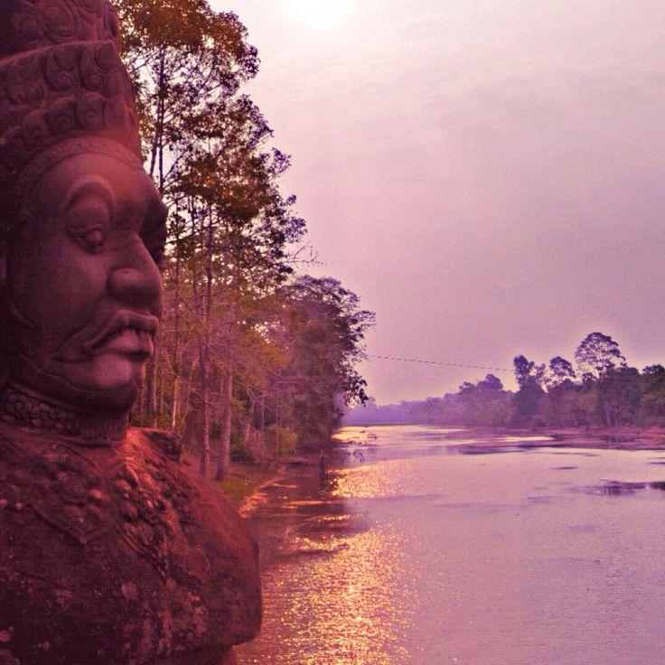 Demon guarding the river - Temple @ Siem Reap