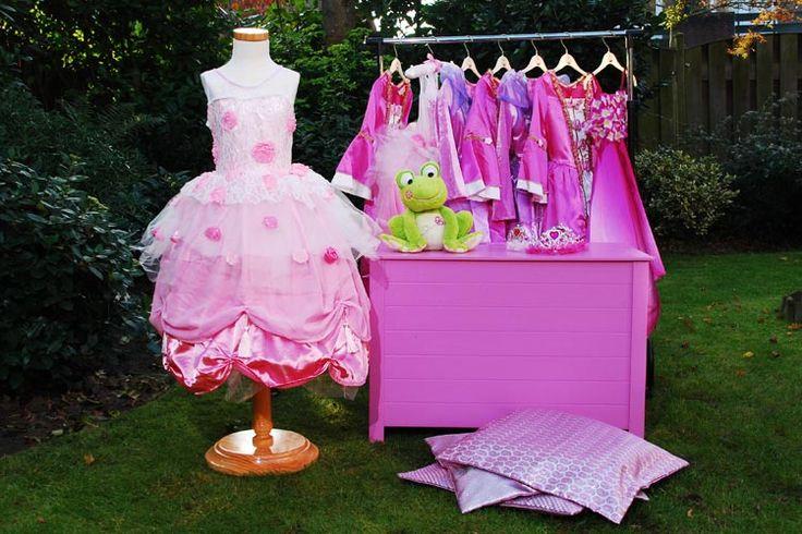 Prinsessenkist en jurken voor themafeest prinses