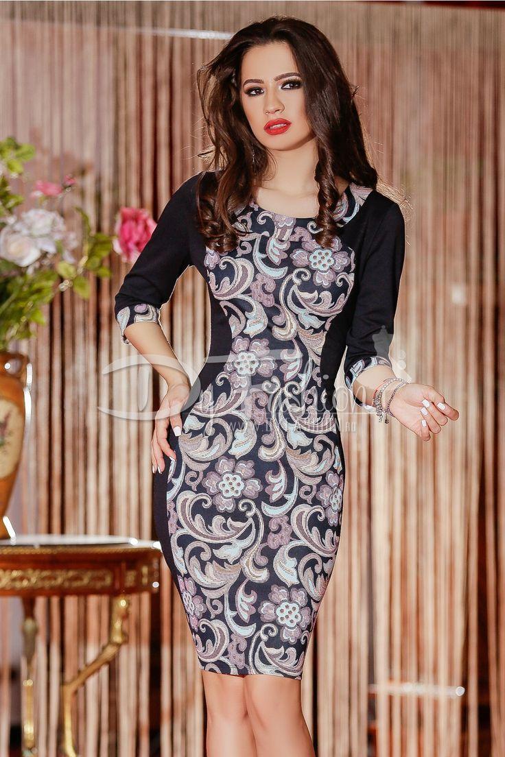 Rochie silueta in nuante de negru cu imprimeuri in nuante de roz