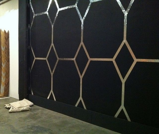 High drama feature wall for under $10??? High drama wall completed under 2 hours, with no help? Yup.