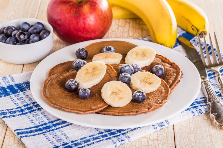 protein pancakes, chocolate and banana protein pancakes, easy protein pancake recipe, banana pancakes, healthy pancakes