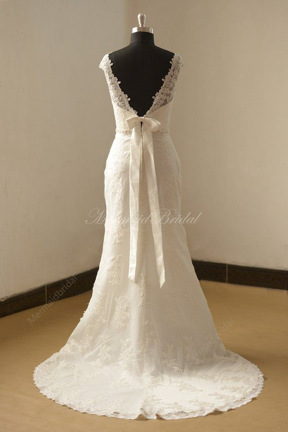 Open back Fit and flare Vintage lace Wedding dress with capsleeves and removable bow