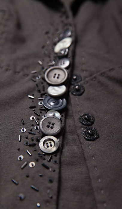 Buttons as embellishment - fashion design detail; sewing inspiration // Alabama Chanin
