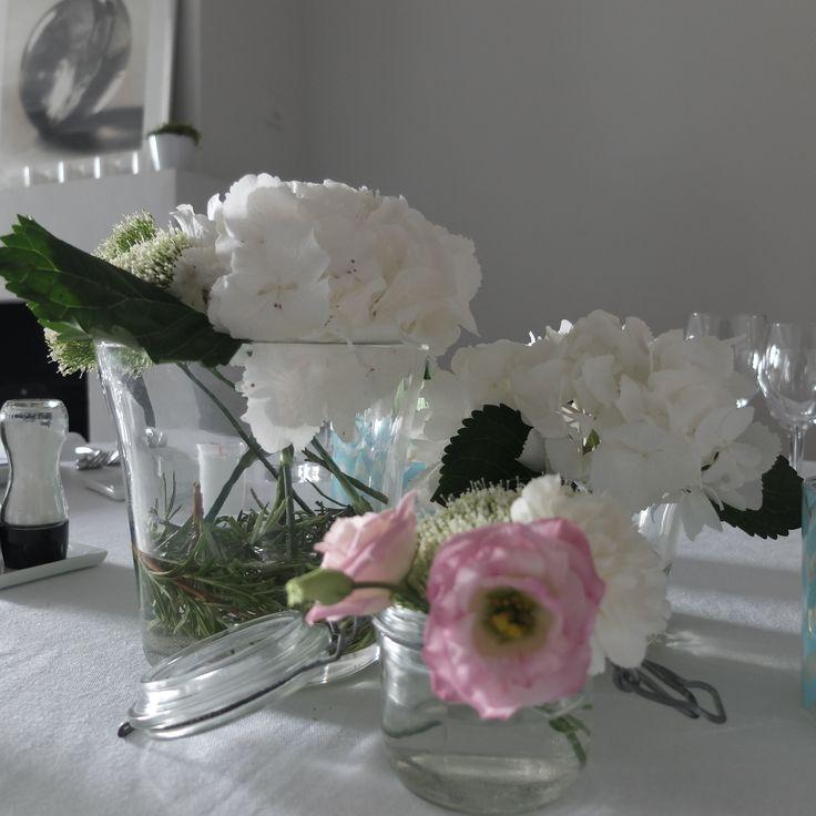 Le Mas des Songes apprécie tout particulièrement les ambiances florales, vous y trouverez des bouquets raffinés, aux tons délicats