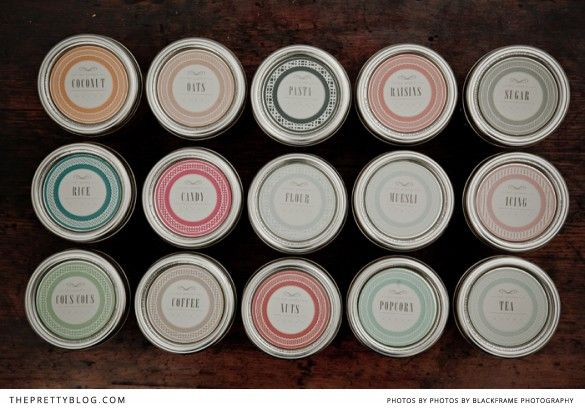 Pretty up your pantry with these eye-candy labels. Via My brand spanking new organised pantry | {Printables} | The Pretty Blog